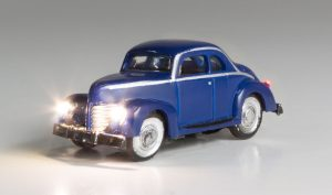 Lighted Vehicle, Blue Coupe - N scale
