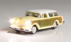 Lighted Vehicle, Station Wagon - N scale