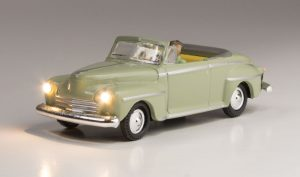 Lighted Vehicle, Cool Convertible - HO scale
