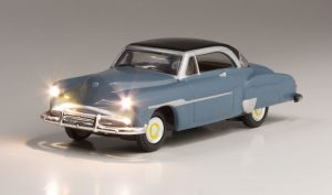 Lighted Vehicle, Comfy Cruise - HO scale